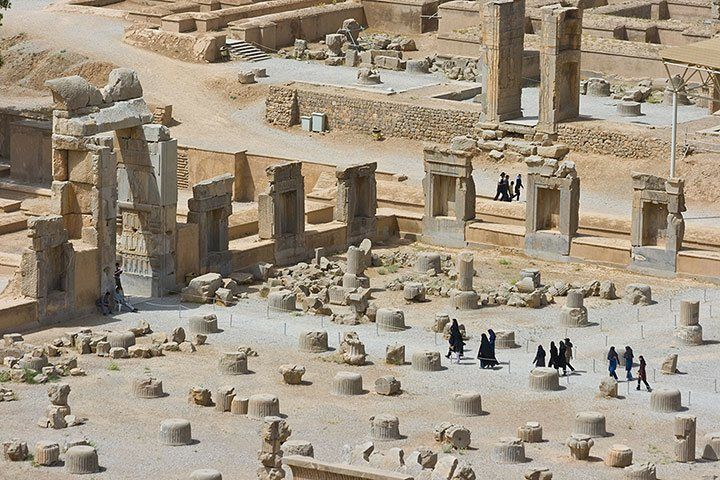 the-ancient-persian-ruins-001