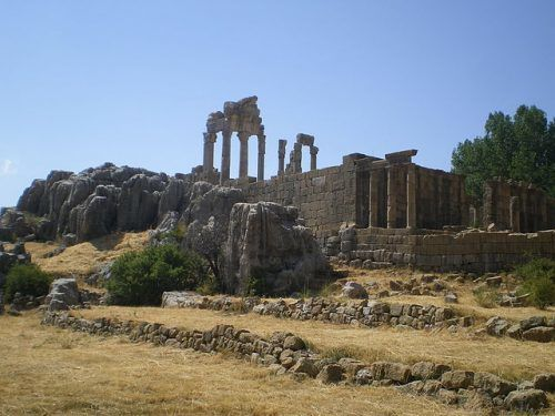 20160817-640px-ruins_of_the_temple_of_adonis_at_faqra_lebanon_2-500x375