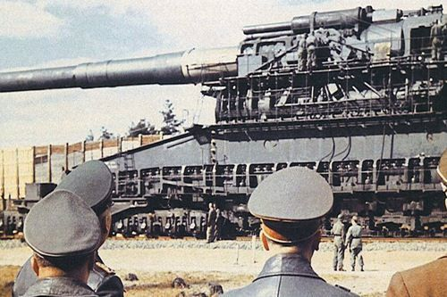 مدفعية ذا شفيهار جوستاف – The Schwerer Gustav